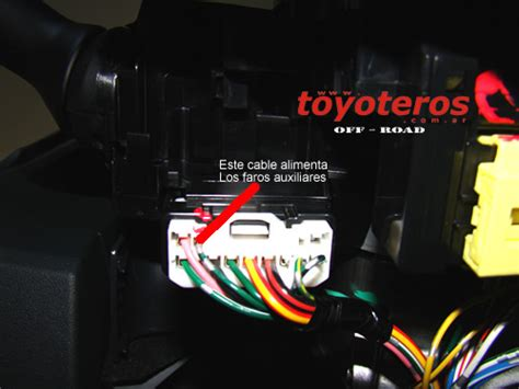 colocando faros auxiliares con instalacion original hilux 2006