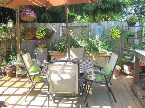 Deck Decorating Ideas as What Make Pleasure Affordably