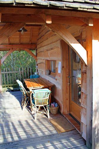 chambre d hote cabane dans les arbres accueil chambre d 39 hôtes cabane perchée cabane dans les