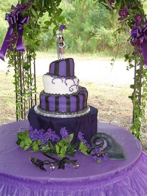 wedding cakes pictures nightmare  christmas wedding