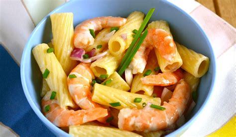 salade de pates crevettes salade de p 226 tes et crevettes recette az