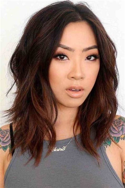 35 Stunning Medium Length Hairstyles To Try Now