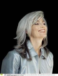 Coupe Cheveux Gris Femme 60 Ans : coiffure 50 ans cheveux gris ~ Voncanada.com Idées de Décoration