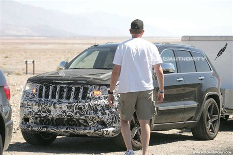 spy shots  jeep grand cherokee srt