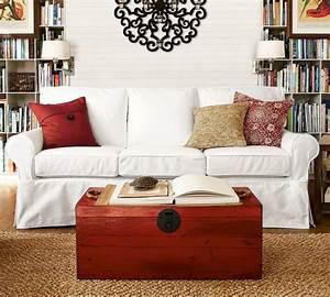 Klassische Sofas Im Landhausstil : sofa wei 35 wohnzimmereinrichtungen mit einem wei en akzent ~ Markanthonyermac.com Haus und Dekorationen