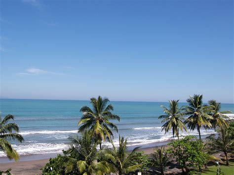 foto pantai pelabuhan ratu  sukabumi tempat wisata