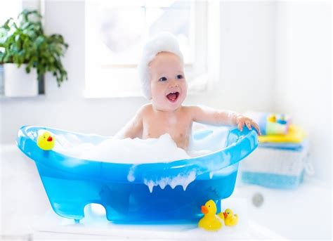 best newborn bath tubs which is the best baby bath tubs for 2018 guide and reviews