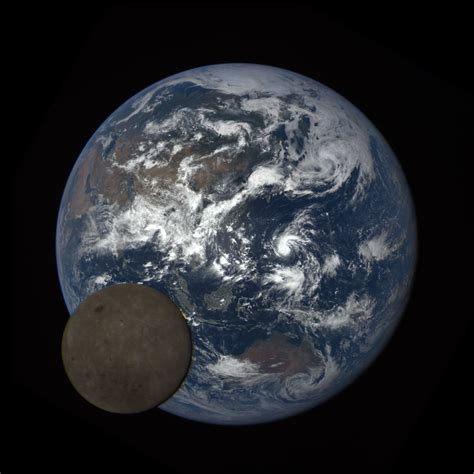 Why The Earth Small When Observed From Moon