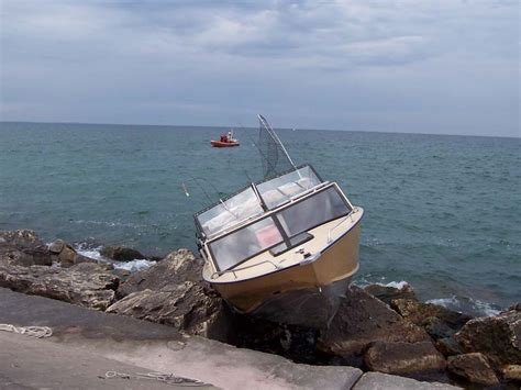 Boat Salvage Mi by Boats And Boating Equipment Abrahamson Marine