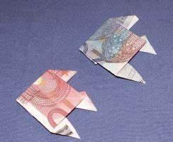 Liegestuhl Aus Geld : geldschein falten fisch ~ Lizthompson.info Haus und Dekorationen