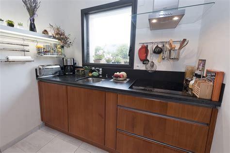 model de cuisine 駲uip馥 modele de cuisine moderne le bois chez vous