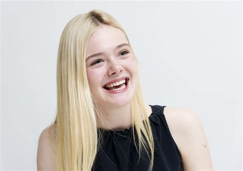 Elle Fanning Wallpapers Images Photos Pictures Backgrounds