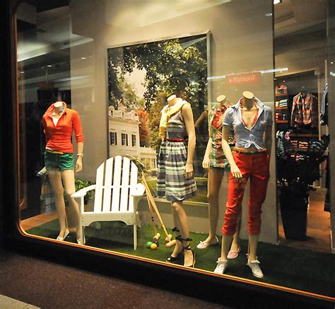 gant window displays budapest