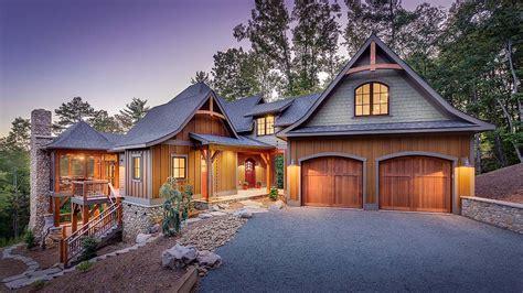 Build Custom Home by Custom Home Builder Carolina Cottonwood Development