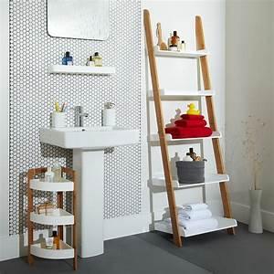 cottage bathroom look add this bathroom ladder shelf With idee deco echelle bois