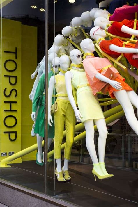 rotating mannequin displays topshop oxford square