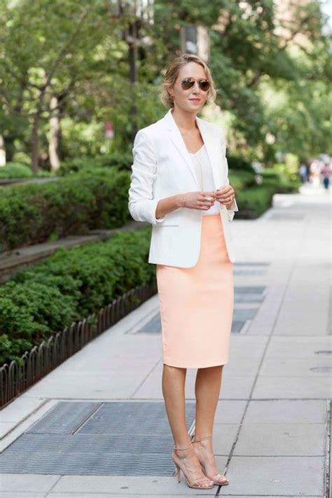 40 Casual Work Outfits for Spring to try this Year - Fashiondioxide