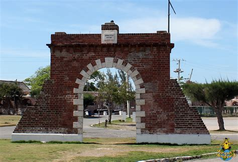 royal in jamaica pirate capital s earthquake battered giddy house jamaica