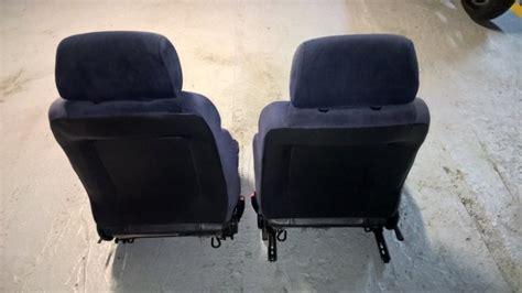 siege auto voiture 3 portes 2 sièges avant pour peugeot 205 3 portes vendu