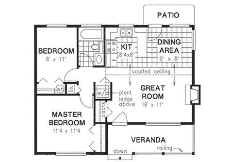 2 Bedrooms, 1 Bath, 728 Sq Ft Plan 40-119