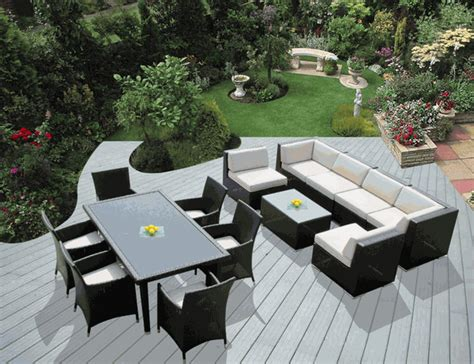 beautiful brand new outdoor wicker sofa and dining set