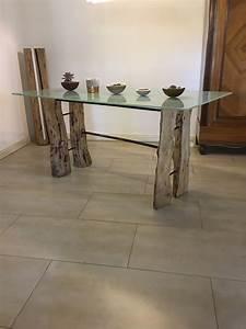 Baumstamm An Decke Befestigen : design glastisch mit holz f en aus birke und bau stahl ~ Lizthompson.info Haus und Dekorationen