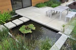 Bac A Vinyl : comment am nager un bassin de jardin contemporain ~ Teatrodelosmanantiales.com Idées de Décoration