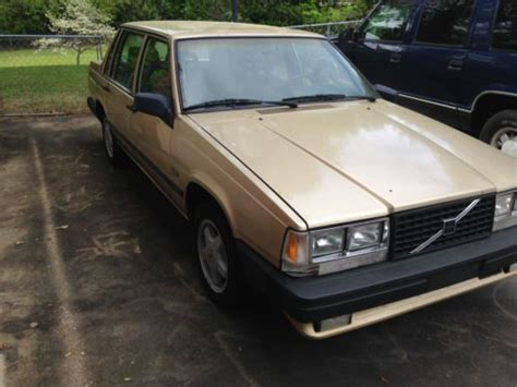 purchase   volvo  turbo sedan  door