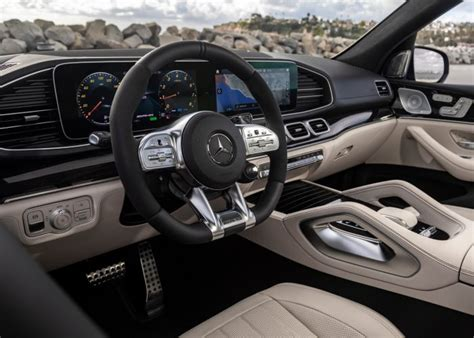 3:25 voiceovercars.com 7 747 просмотров. 2021 Mercedes-Benz GLE Review | Kelley Blue Book