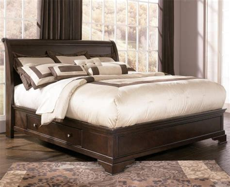 Best Price Ashley Leighton Cal King Sleigh Platform Bed In