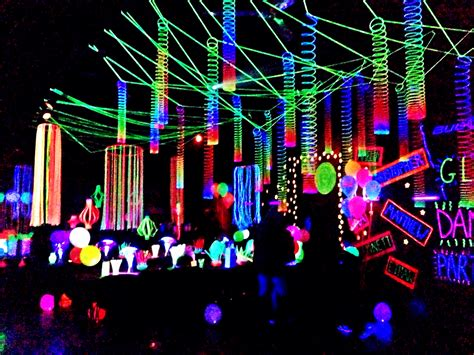 best 25 glow party decorations ideas on pinterest neon party glow party and diy blacklight party