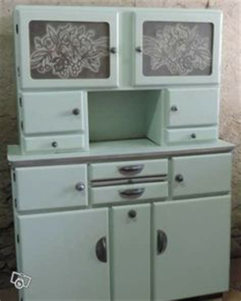 buffet cuisine 馥 50 1000 images about relooking meuble on buffet armoires and cuisine