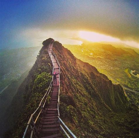 Hawaiis Haiku Stairs Illegal Hike Business Insider