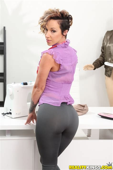 Short Haired Seamstress Likes Casual Sex Adventures Photos