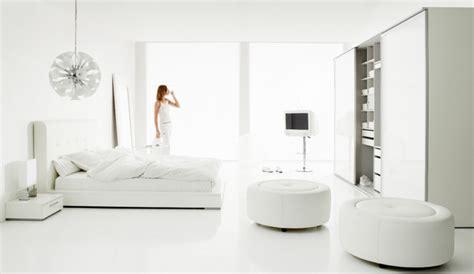 Weiße Wände Aufpeppen by Zimmergestaltung In Wei 223 Eine Geschmackvolle Und