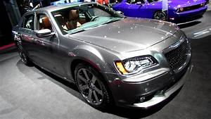 Chrysler 300 Srt8 : 2013 chrysler 300 srt8 exterior and interior walkaround 2013 new york auto show youtube ~ Medecine-chirurgie-esthetiques.com Avis de Voitures