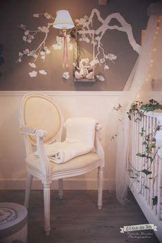 decoration chambre baroque cadre ung drill blanc dans chambre bébé nursery