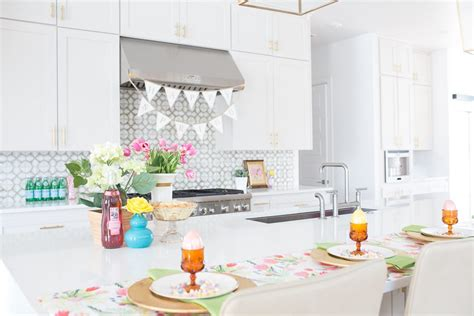 Easter Home Decor Styling: Easter Parade Home Tour