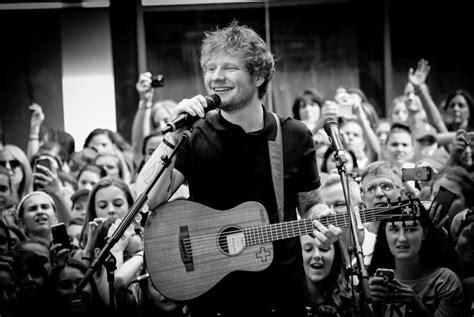 sheeran ed smile music career worth wallpapers concert smiling guitar success luxatic