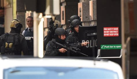point s siege social sydney siege urge media blackout as hostages post
