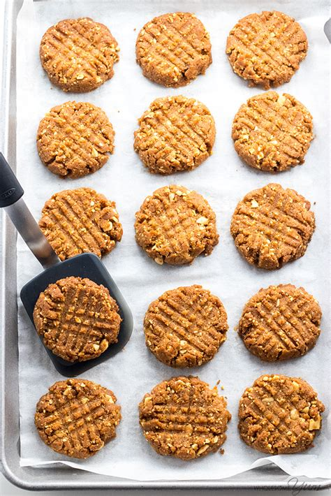 These are made with low fat natural peanut butter, splenda brown sugar mix and spenda no calorie sweetner for a low carb treat.submitted by: Sugar-Free Low Carb Peanut Butter Cookies Recipe - 4 ...