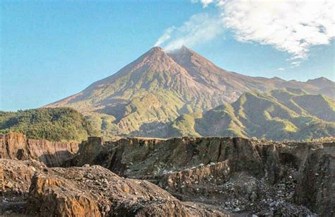 kaliadem kaliurang lava   gunung merapi yogyakarta