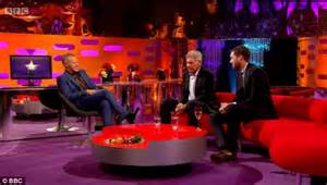 sofá chat show graham norton a total shambles and jonathan ross was as