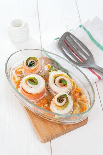 cuisiner merlan roulés poireau carotte au merlan savoir cuisiner fr