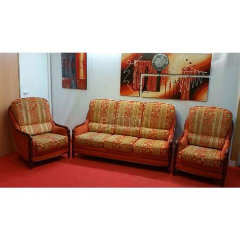 canapé 2 fauteuils ensemble salon canapé 2 fauteuils tissu boiserie apparente