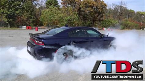 Dodge Charger Hellcat Burnouts by 2015 Dodge Charger Srt Hellcat Burnout