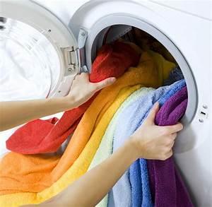 Frisch Gewaschene Wäsche Stinkt : 9 w schepflege tipps von oma nachmachen oder vergessen aufh ngen ~ Frokenaadalensverden.com Haus und Dekorationen