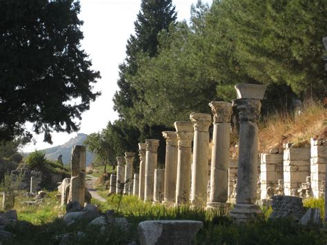 what are colonnades file colonnade in ephesus jpg wikimedia commons