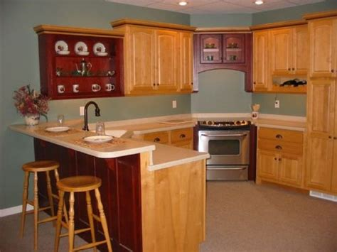 kitchens with honey oak cabinets honey maple and burgundy oak cabinets with a 2 level 8792