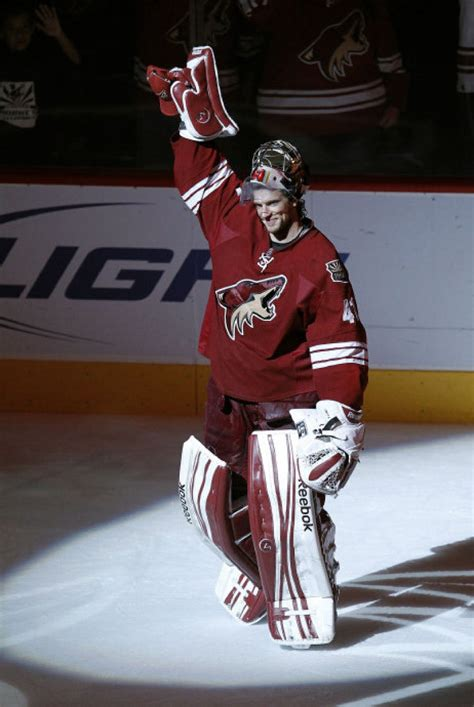 mike smith   phoenix coyotes sets nhl record